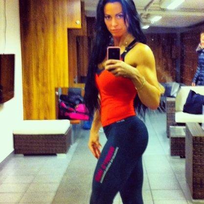 squats, legs, butt, adriana kuhl, fitness, sats odenplan, sats, bodybuilding